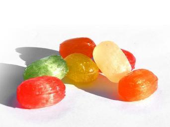 Ještě nezabalené bonbony