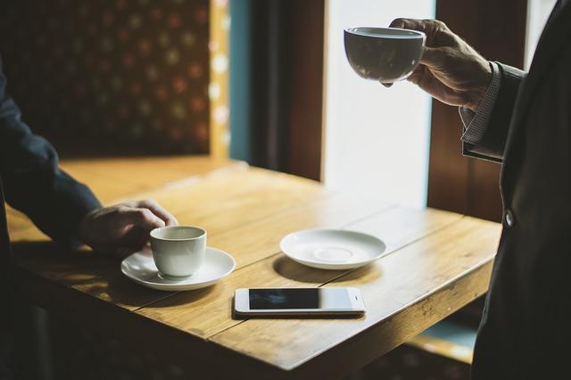 kávy na stolku.jpg