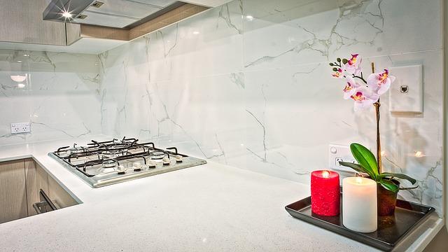 svíčky v kuchyni.jpg